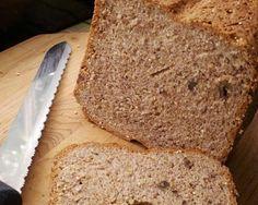 Pão de Quinua Ingredientes 1 e ½ xícara (chá) de chá de Camomila(feito conforme modo de preparo da embalagem) 1 e ½ xícara (chá) d...