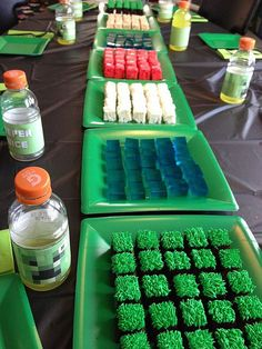 Jill's build-your-own-landscape Minecraft cake (and Rice Krispie treats, and jello). | Flickr - Photo Sharing!