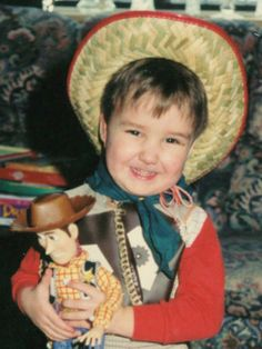 From now on when I am having a bad day, I'm just going to look at this picture! Liam, you're adorable :)