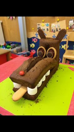 Gâteau Gâteau The post Gâteau appeared first on Kindergeburtstag ideen. Cute Snacks, Cute Food, Gateau Cake, Pumpkin Spice Cupcakes, Cakes For Boys, Food Humor, Cooking With Kids, Painting For Kids, Activities For Kids