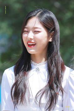 LOONA - Kim HyunJin 김현진 at SBS Inkigayo fanmeet 170507 SBS 인기가요 팬미팅 #이달의소녀
