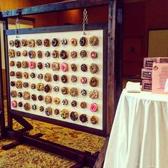 Donut Walls Is The Newest Wedding Trend That Will Win Over Your Guests' Hearts Wedding Donuts, Wedding Cake, Dream Wedding, Bar Mitzvah Party, Bat Mitzvah, Ideas Aniversario, Donut Bar, National Donut Day, Sweet Cooking