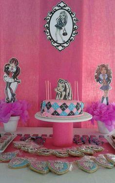 Monster High dessert table