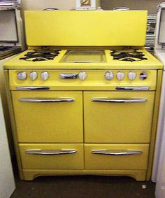 SAVON Appliance & General Appliance Refinishing - Your complete appliance sales and vintage stove restoration service - we buy & sell new & used appliance, and resurfacing and refinishing vintage appliances and parts, including full restoration. Kitchen Stove, Kitchen Decor, Kitchen Appliances, Kitchen Ideas, Viking Appliances, Toy Kitchen, Kitchen Design, Retro Stove, Stoves For Sale