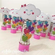 """84 curtidas, 1 comentários - Ateliê AssimSim (@assimsim) no Instagram: """"Chuva de Amos para comemorar os 2 aninhos da Carolina #chuvadeamor #festachuvadeamor…"""" Rainbow Theme, Rainbow Parties, Unicorn Birthday Parties, Girl Birthday, Princess Birthday, Princess Party, Baby Boy Shower, Baby Shower Themes, Amor Ideas"""
