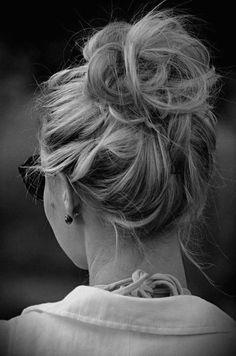 To jest trendy! Cudowne luźne fryzury na lato 2016