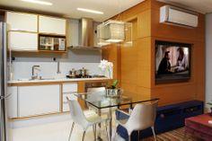 Na medida certa. Veja: https://casadevalentina.com.br/projetos/detalhes/na-medida-certa-527 #details #interior #design #decoracao #detalhes #decor #home #casa #design #idea #ideia #small #pequeno #casadevalentina #kitchen #cozinha