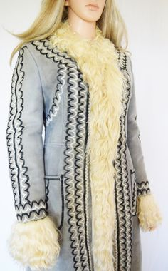 Vintage 1960's 70's EmBrOiDeReD Shearling Sheepskin HiPPiE BoHo ALmoSt FaMouS Coat Size M