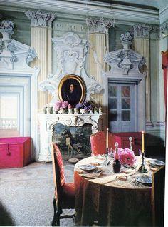 Incredible trompe l'oeil architecture, mural-villa-malaspina-dining-room