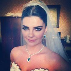 Bridal- Turkish actress- pelin Karahan-duvak-gelin basi