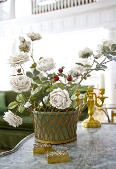 Porcelain flowers by Vladimir Kanevsky