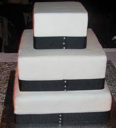 Simple Black & White cake - back view
