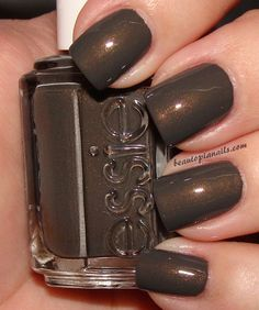 Perfect nails for Fall! #formalapproach