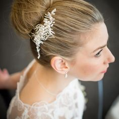 To Basket Categories Hair Accessories Wedding Combs Bridal