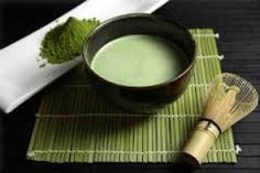 Tea, especially green, wulong and pu'er, is a very healthy drink. Besides the well-known diuretic properties it owns other often unknown to Western audiences. In the tea leaves are contained three hundred and components such as polyphenols (or tannins) are the most important.