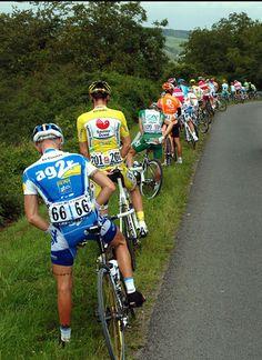 Do Tour De France Riders Wear Pee Catheters Cycling Wear, Road Cycling, Cycling Bikes, Cycling Outfit, Lycra Men, Bike Photography, Cycling Quotes, Bicycle Race, Triathlon