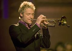 Famed smooth jazz trumpeter, Chris Botti, makes his highly anticipated return to the VSO stage on Wednesday Jazz Instruments, Chris Botti, Brass Music, Trumpet Music, Jazz Players, Contemporary Jazz, Trumpet Players, Smooth Jazz, Easy Listening