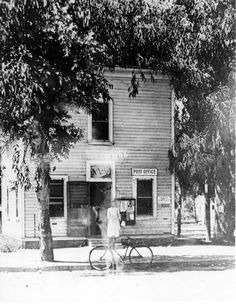 Tropico Post Office circa 1910. The building was owned by W. C. B. Richardson and was located at the corner of Central and San Fernando. Glendale Central Public Library -- San fernando Valley History Digital Library.