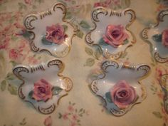 6 Flowers Decertive  Pieces Made in Western by Daysgonebytreasures, $24.00