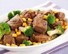 O Que Tem na Minhha  Panela: Carne em Cubos com Brócolis
