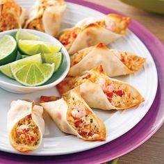 Crab and Shrimp Wonton Mini-tacos – Recipes – Cooking and Nutrition – Pratico Pratique Mini Tacos, Prawn Recipes, Seafood Recipes, Cooking Recipes, Taco Appetizers, Appetizer Recipes, Wontons, Tapas, Taco Bar
