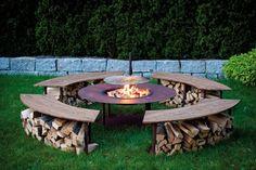 Au cours d'une belle soirée d'été il n'y a rien de mieux que de rester autour d'un petit feu ... 8 idées de jardin autour d'un feu! - DIY Idees Creatives