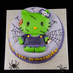 Zombie Hello Kitty cake lol for you Janelle! Hello Kitty Halloween, Hello Kitty Themes, Hello Kitty Cake, Halloween Birthday, Halloween 1, 3rd Birthday, Cupcake Cookies, Cupcakes, Zombie Party