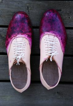 Photos by me. One of the first things I decided to do in Staalo collection was blueberry dyed shoes. Vegetable tanned leather takes the colo. Dyed Shoes, How To Dye Shoes, Vegetable Tanned Leather, Blueberry, Pattern Design, Print Patterns, Oxford Shoes, Anna, Photos