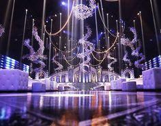 Definition of a grandeur wedding  loving this extravagant setup ! ---------------------- ▪Wedding planner : Baz events @bazevents. ▪Photographer : Edgar makhoul @edgarmakhoul. ▪Lighting : Prism @prismlebanon ▪Wedding venue : Biel beirut. ▪Floral decoration : Ikebana @ronibassil. ------------------------ #lebaneseweddings