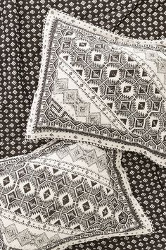 Magical Thinking Echo Graphic Sham Set - Urban Outfitters