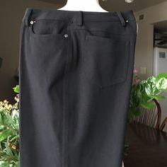 "RAFAELLA Petites Size 12 P black jeans NWOT These jeans has some stretching 62% polyester v34% rayon. 4% spandex.Length 29"" inseam Rafaella Jeans Straight Leg"