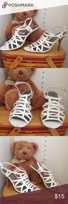 """Apt.9 White Heels Beautiful white 4"""" Heels (Size 8M) some scuffs on the toe! Apt. 9 Shoes Heels"""