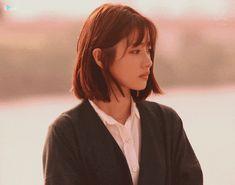 Aesthetic People, Aesthetic Girl, Girl Photo Poses, Girl Photos, Seulgi, Ulzzang Girl, Portrait, Hair Inspo, Hair Goals