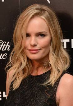 Kate Bosworth. Once you know what celebrity shares your face, you can be on the lookout for their hairstyles as they change over the month and years to get a good idea of how you might change your own look. Always consider hair texture, however, because your curly hairstyle won't look the same in a style as a celebrity's naturally straight hair. Kate has a round face and typically keeps her hair blonde, long and with beachy waves.
