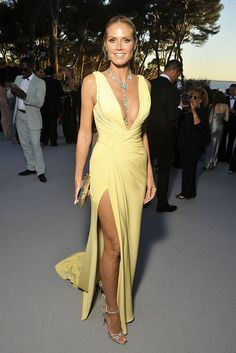 Cannes Inside the amfAR Gala 2016 Cannes Film Festival amfAR gala Galas Photo, Famous Stars, Celebrity Red Carpet, Heidi Klum, Red Carpet Fashion, Yellow Dress, Fashion Show, Women's Fashion, Gorgeous Women