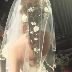 小花とパールをちらした純真無垢な編み込みロマンティックへア♪