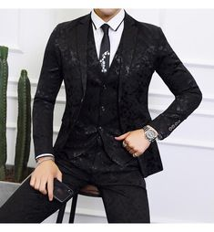 Black Suit Men Business Banquet Wedding Suits Jacket with Vest and Tro - HESHEONLINE Mens Red Suit, Black Suit Men, Mens Suit Vest, Black Suit Jacket, Mens Suits, Wedding Suit Styles, Wedding Suits, Formal Wedding, Slim Fit Tuxedo