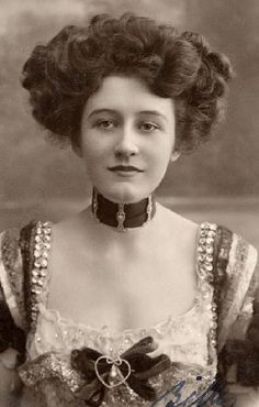 Lovely choker to DIY Miss Elizabeth Firth. Actress and vocalist as Natalie in the Merry Widow, 1907 [A play at Daly's, London, starting 8 June 1907]. A Postcard posted 1908.  Elizabeth was born in Phillipsburg, New Jersey, USA on 11 April 1884.