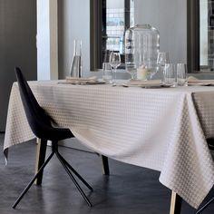 Nappe effets 3D Garnier-Thiebaut - Modèle : Origami- Nappe en coton anti-tache - Coloris : beige