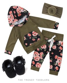 It is quite natural for a pregnant woman to be full of curiosity regarding her soon-to-be-born baby. How will the baby look? Baby Outfits, Toddler Bedtime, Baby Kicking, Baby Arrival, After Baby, Pregnant Mom, First Time Moms, Baby Needs, Baby Hacks