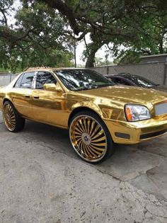 Gold Cadillac | Ugly Car Pictures #caddy #gold #carfail #cadillac #carwrap