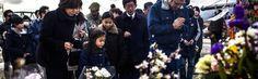 Era missionário anglicano; sua viagem ao catolicismo começou com um sinal da cruz diante de uns budistas. Em um funeral japonês cada convidado queima incenso, porém os cristãos evitam este gesto...