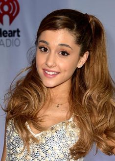 54 Amazing Ariana Grande Hairstyles & Color Ideas