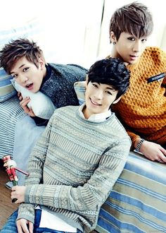 the contrast in this picture is niceeeee, but i was thrown off by hongbin's alien eyes...