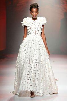 Avant Apparel [Photo by Simon Deiner/SDR Photos] - white dress Fashion News, Runway Fashion, Fashion Show, Fashion Trends, Bridal Gowns, Wedding Gowns, Silhouette, White Fashion, Beautiful Gowns