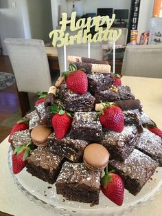 Decorated Brownies, Birthday Cake Alternatives, Brownie Packaging, Birthday Brownies, Birthday Cake Pinterest, Buffet Dessert, Cake Recipes, Dessert Recipes, How To Stack Cakes