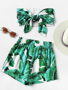 Shop Leaf Print Random Bow Tie Crop Bandeau Top With Shorts online. SheIn offers Leaf Print Random Bow Tie Crop Bandeau Top With Shorts & more to fit your fashionable needs.