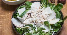 Salade van veldsla kip knolselder en aardpeer met kappertjesvinaigrette Spinach, Vinaigrette, Cabbage, Vegetables, Recipes, Food, Lunches, Dressing, Salads