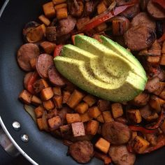 Good morning Whole 30-er's! It's Gaby from @wholefoodblog with one of my favorite go-to meals: sweet potato and sausage hash! It's great as lunch or dinner too, but it's extra great for breakfast when you're just not feelin' eggs (it's ok...... it happens to the best of us ). Enjoy! *** SWEET POTATO AND SAUSAGE HASH 1 medium sweet potato 1 Whole 30 compliant pre-cooked sausage link (read labels! I use Aidell's chicken + apple) 1/2 large red bell pepper, sliced 1/4 large sweet onion, sliced…