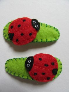 Felt hair clips, Ladybird hair clips, animal hair clips, kids accessories, ladybird clips, cute but clips, gift for her, child's gift by TheCraftingGardener on Etsy Gifts For Kids, Gifts For Her, Felt Hair Clips, Toddler Hair Clips, Red Felt, Birthday Presents, Colorful Decor, Wool Felt, Bee